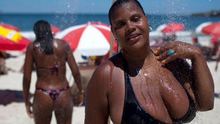Las Brasile As Cambian Tangas Por Bikinis