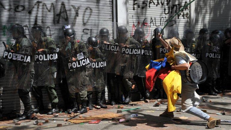 Una nueva jornada de huelga agraria paralizó Colombia