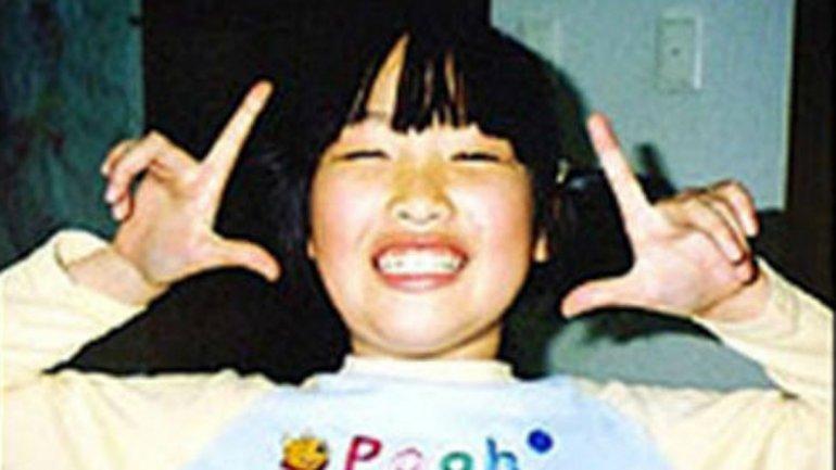 Natsumi Tsuji. A los 11 años, asesinó a una compañera de escuela cortándole la garganta y los brazos con un cutter, en 2004. Aún sigue recluida en una cárcel de Japón.
