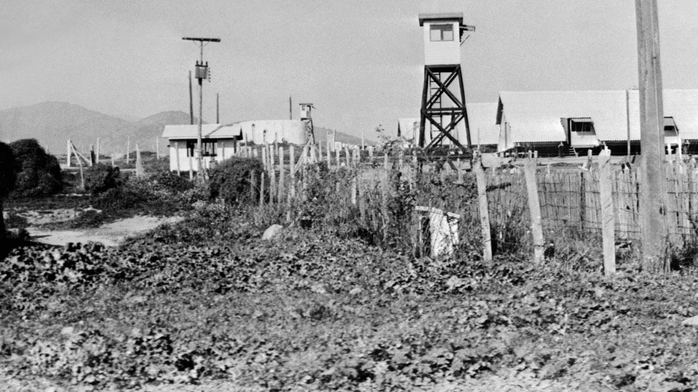Imagen tomada el 15 de octubre de 1975 del campo de concentración de prisioneros de Puchuncavi, en la ciudad de Valaparaíso (centro).