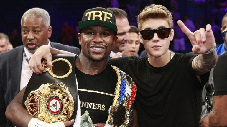 Justin Bieber festejó el triunfo por puntos de Floyd Mayweather Jr.