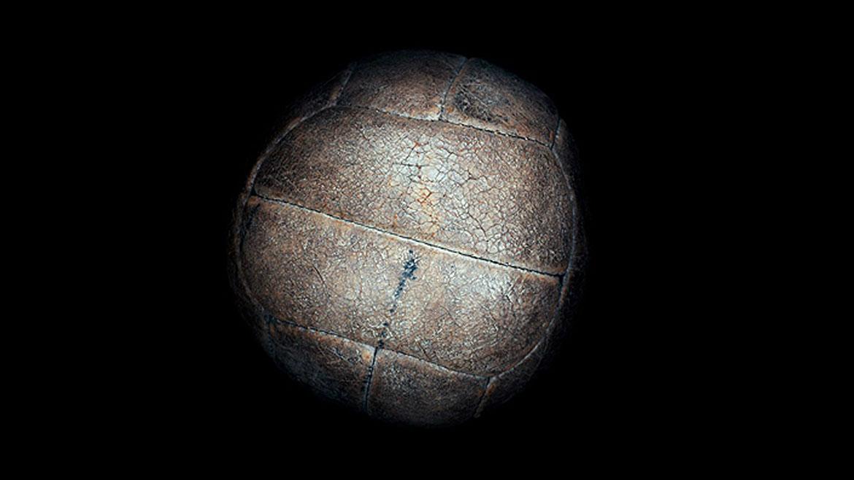 Uruguay 1930: Fueron usadas dos pelotas en la final entre el local y la Argentina. En el primer tiempo, se usó el modelo argentino llamado Tiento. En el complemento, la Modelo T charrúa.