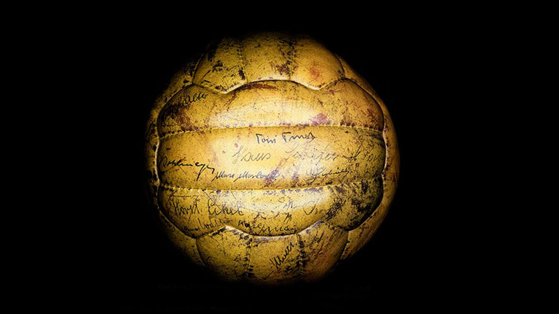 Suiza 1954:La suiza fue la primera pelota en tener 18 gajos. A partir de ella, la FIFA también estandarizó las dimensiones de los balones a nivel mundial.