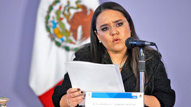 Alejandra Sota. La ex vocera de la Administración Calderón está siendo investigada por las autoridades mexicanas por los delitos de enriquecimiento ilícito y tráfico de influencias. Se la acusa de favorecer a amigos y ex compañeros en la concesión de contratos del Estado