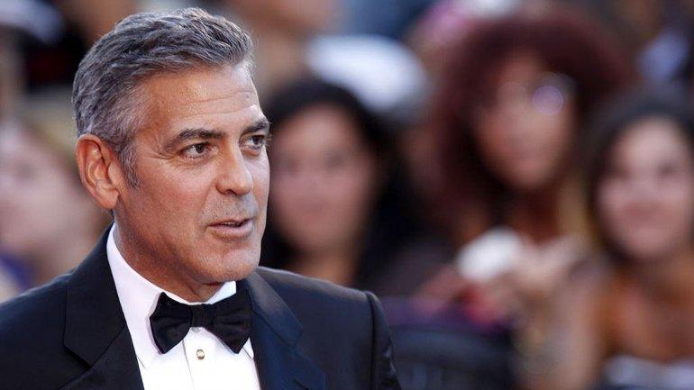 George Clooney está casado con la abogada británico-libanesaAmal Alamuddin
