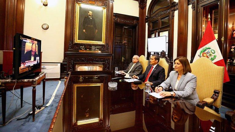 El mandatario peruano siguió la transmisión en vivo desde su despacho
