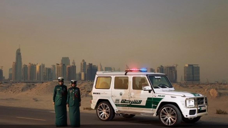 Policía de Dubai renovó su alucinante flota de automóvile
