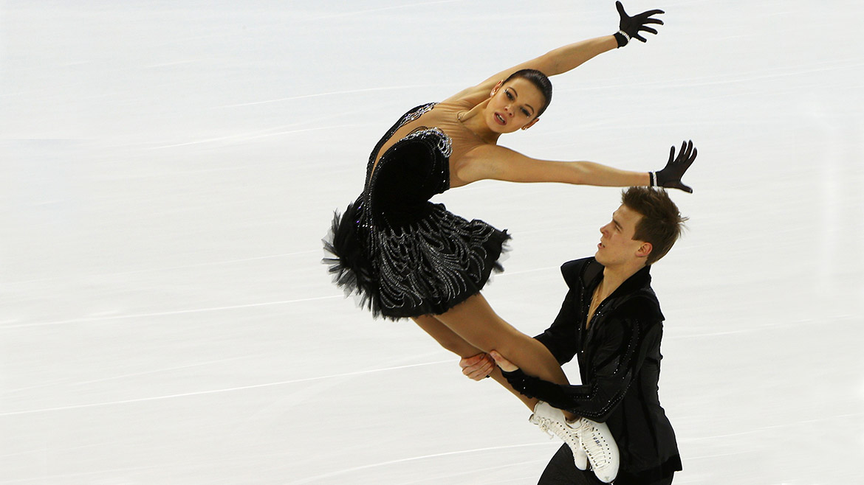 La rusa Elena Ilinykh compite junto a Nikita Katsalapov en los JJOO de invierno 2014.
