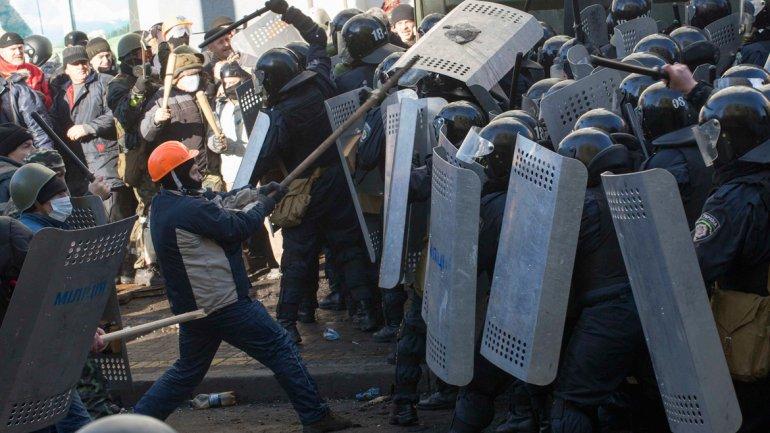 La violencia en Kiev no cesa