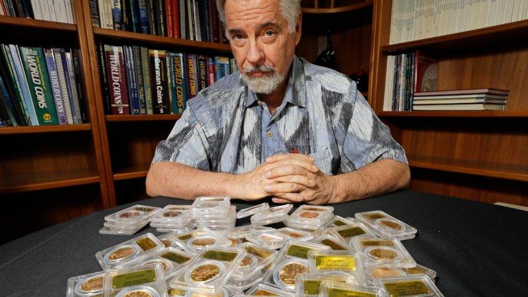 David Hall, uno de los numismáticos que corroboró la autenticidad de las monedas