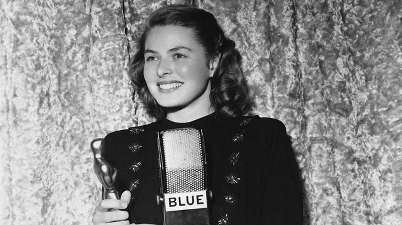 Ingrid Bergmanganó dos veces como mejor actriz, en 1945 por la película Gaslight y en 1957 por Anastasia. En 1974 se llevó otro Oscar por su papel secundario en Asesinato en el Orient Express. En su carrera también sumó 5 Globo de Oro y un premio Tony