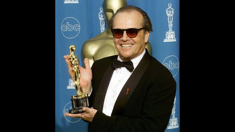 El neoyorquino Jack Nicholsonestuvodoce veces nominado y fue tres veces ganador del Oscar, dos como mejor actor, porAlquien voló sobre el nido del cuco (1957)y Mejor... imposible (2007). En 1983, se llevó la estatuilla a mejor actor de reparto por La fuerza del cariño