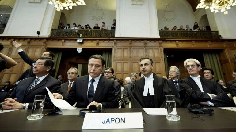 Representantes de Japón anta la Corte Internacional de Justicia en La Haya.