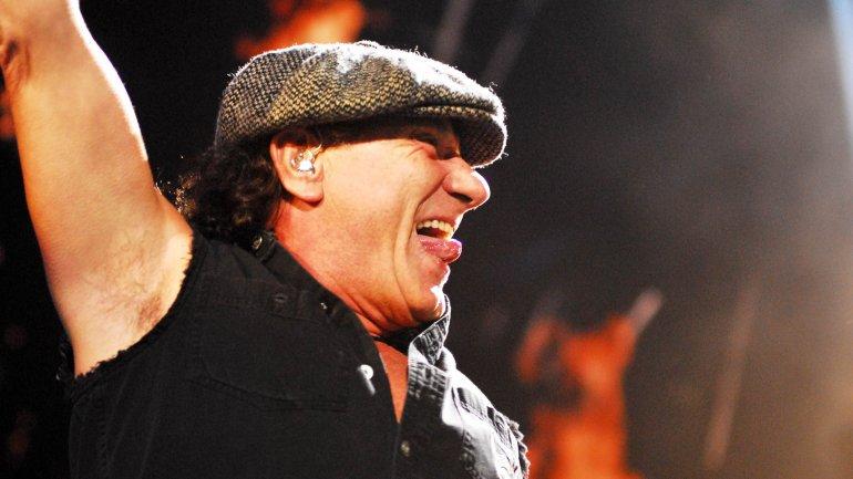 El vocalista de AC/DC, Brian Johnson,se está quedando sordo