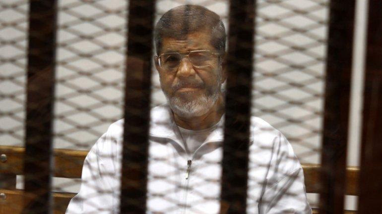 20 años de prisión para Mohamed Mursi