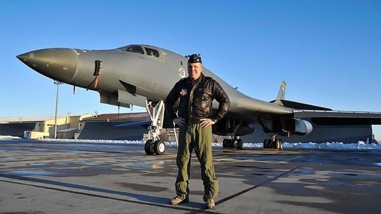 El capitán de las Fuerzas Aéreas Mike Gongol