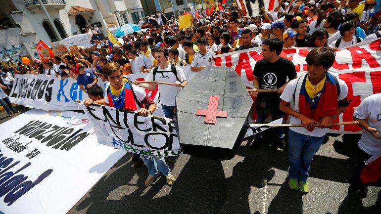 Asediado por la inseguridad, Maduro promete para 2015 un plan basado en alta tecnología