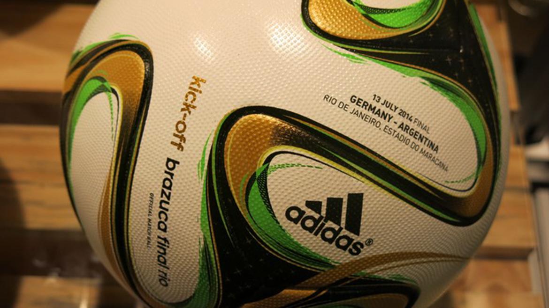 Además de los datos del encuentro, el balón del puntapie inicial tendrá inscripta la leyenda kick off, como se denomina al primer toque en inglés