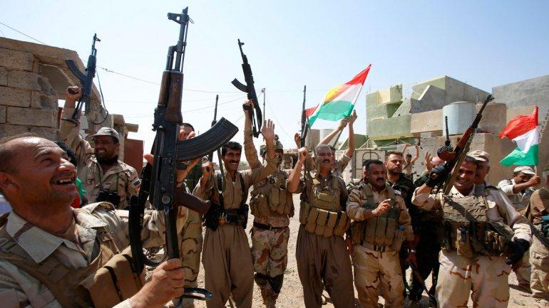 Contraofensiva: los kurdos arrebatan a los yihadistas del ISIS una ciudad iraquí clave