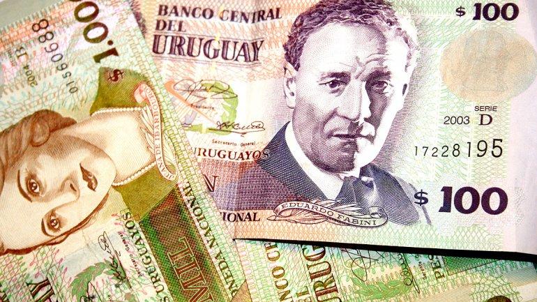La moneda uruguaya se depreció un 0,33% y cayó a su valor mínimo en más de cinco años