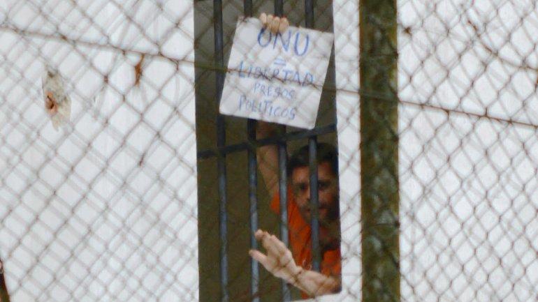 Leopoldo López se declara en protesta permanente por las violaciones a sus derechos
