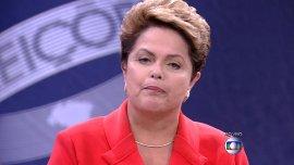 Dilma fustiga a Neves: Fue Lula el que redujo la inflación que dejó el gobierno de Fernando Henrique Cardoso