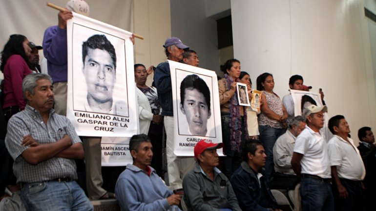 México: 67 compañeros de los estudiantes desaparecidos dejaron la escuela por miedo