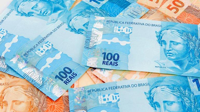 Brasil: el real se devalúa un 3,25% y cae a su nivel más bajo desde abril del 2003