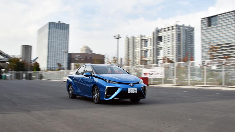 Toyota ha establecido como objetivo vender unas 400 unidades en Japón hasta finales de 2015