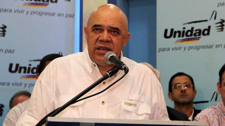 El chavismo quiere encarcelar al vocero de la oposición por traición a la patria