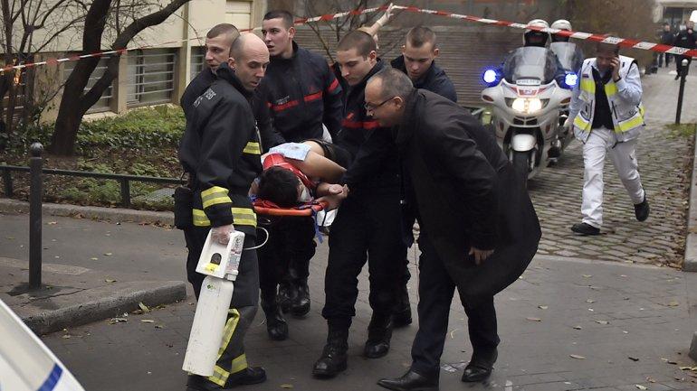 Los atacantes dispararon utilizando fusiles tipo AK-47