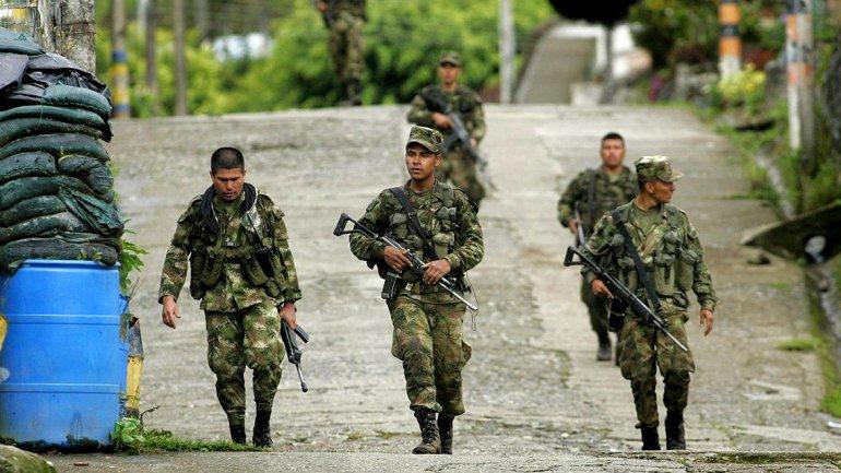 Colombia refuerza su frontera con Venezuela e incorpora 32 blindados de combate