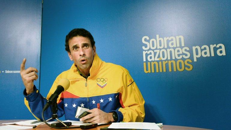 Henrique Capriles criticó la emergencia económica decretada por Nicolás Maduro