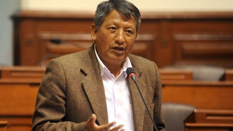 Congresista peruano cita a Hitler para rechazar la unión gay