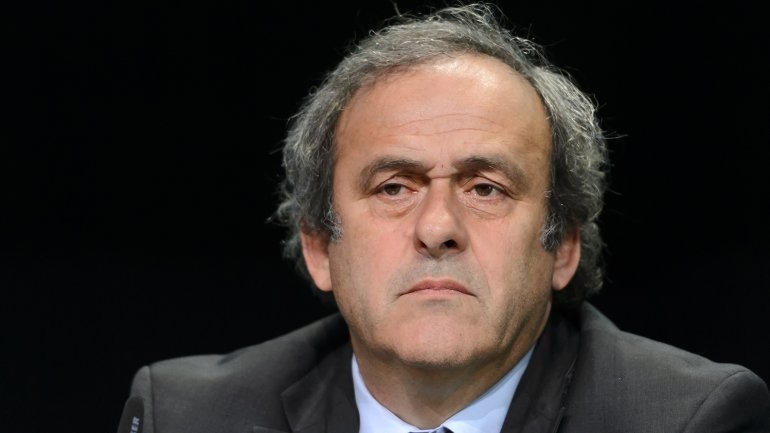 Michel Platini fue suspendido por 8 años por el Comité de Ética de la FIFA