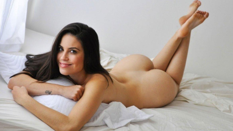 nude women love making