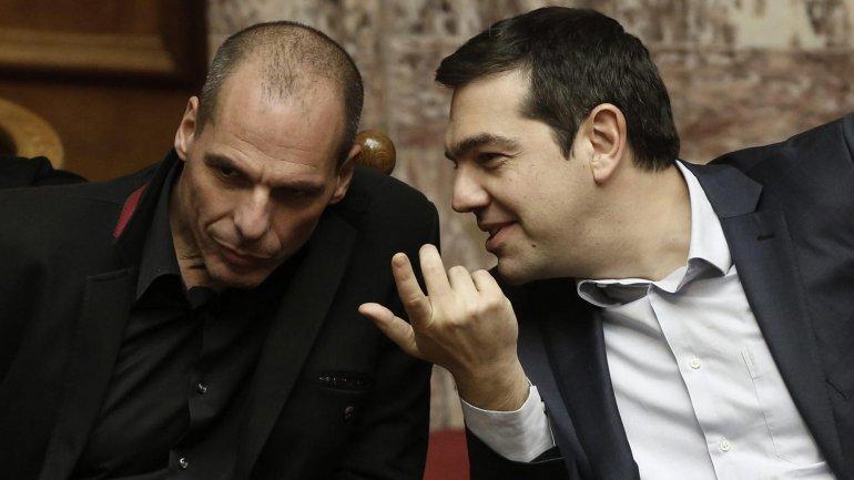 Renunció el ministro de Finanzas griego Yanis Varoufakis para lograr un acuerdo con la UE