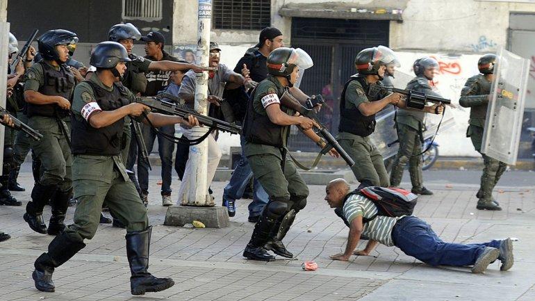 Amnistía Internacional difundió un duro informa contra Venezuela y acusó al presidente de reprimir a la oposición con la cárcel y la represión armada