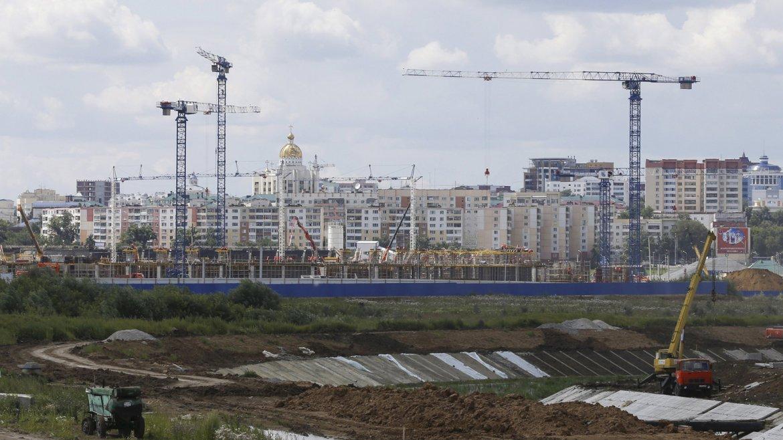 El Estadio Yubileyniy será futuro estadio de fútbol de la ciudad de Saransk, República de Mordovia, que será la futura sede del club de fútbol ruso FC Mordovia Saransk en sustitución del Start Stadium. Sus obras se iniciaron en el año 2010. También será un complejo deportivo que cuente con instalaciones de baloncesto y voleibol. Su capidad será de 28.000 espectadores pero extensible a 45.015 durante la celebración de los partidos de FIFA.