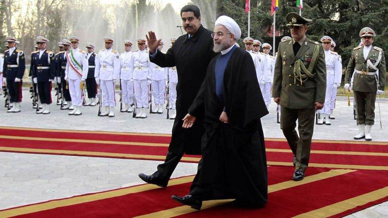 Nicolás Maduro con su par iraní Hasan Rohani