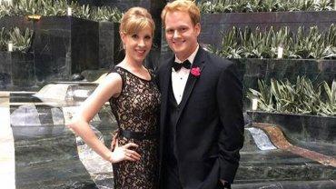 Alison Parker y su novio Chris Hurst, también reportero de la cadena de noticias WDBJ7.