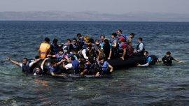 Sirios llegan a Lebos (Grecia) desde Turquía el 11 de septiembre