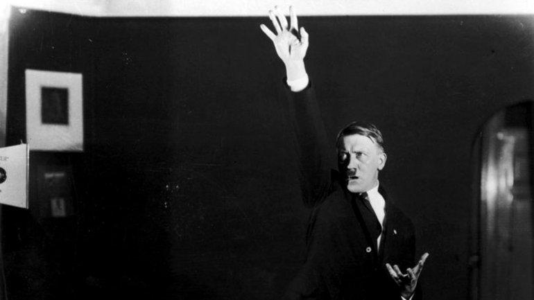 Hitler habría fingido su muerte, según un ex agente de la CIA que analizó documentos desclasificados del FBI