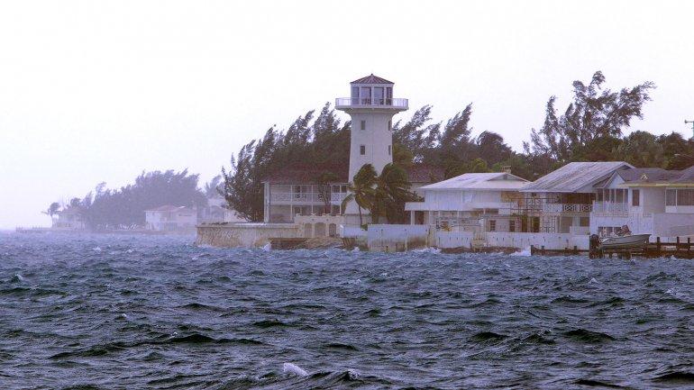 El paso del huracán Joaquín por Bahamas