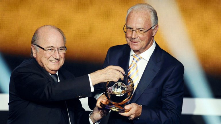 Joseph Blatter negó haberle pedido dinero a Franz Beckenbauer