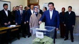 El primer ministro turco, Ahmet Davutoglu, en la elección
