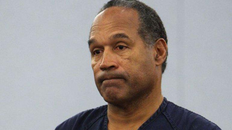 O. J. Simpson fue absuelto por el asesinato de su esposa en 1995