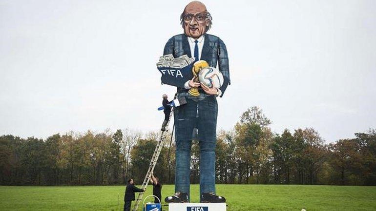Joseph Blatter se encuentra suspendido por 90 días de toda actividad