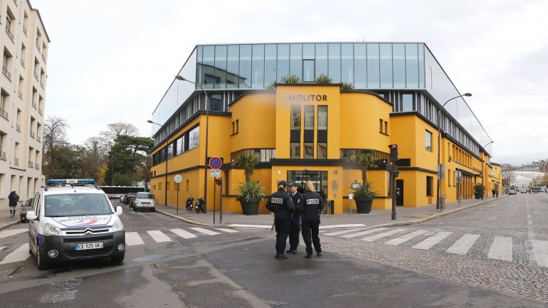 La policía francesa custodia el hotel donde está alojada la selección de Alemania en París