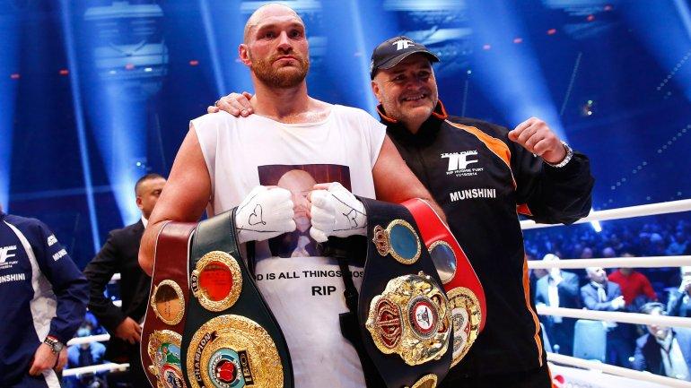 Tyson Fury, el nuevo y extravagante campeón mundial!